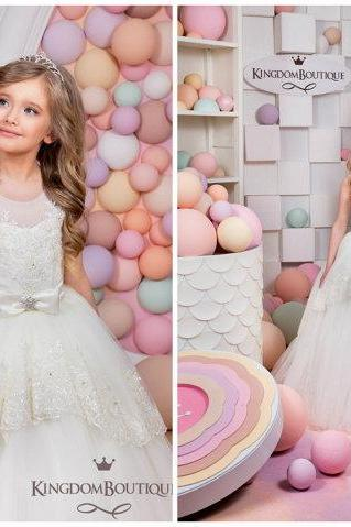 Ball Gown Ivory Scoop Appliques Illusion Neckline Flower Girl Dress Key Hole Back First Communion Dress With Two layers Appliques Hem Skirt Ball Gown Kid Birthday Dress With Bow